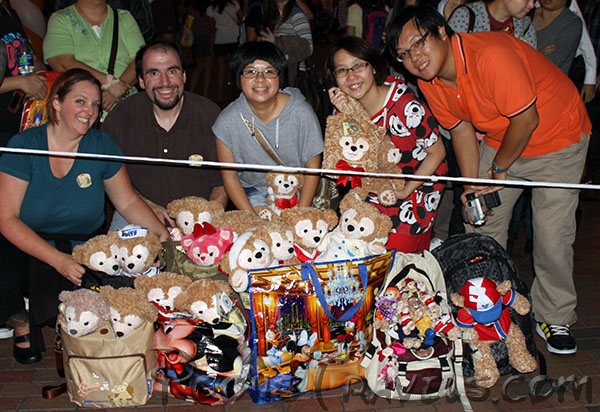 All the Duffy Bears ready for the Procession of Toys  sc 1 st  Disney Globetrotter & Duffy the Disney Bearu0027s Debut at Hong Kong Disneyland - Disney ...